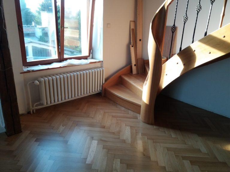 rekonštrukcia podlahy stromčekový vzor